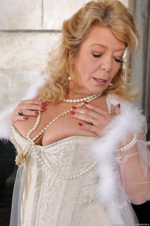 Diamante independent escort ficken Dillenburg